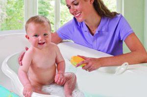 bebeklerde-banyo-korkusunu-yenmek-icin-6-madde