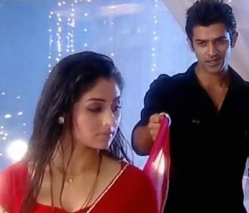 Pics For > Barun Sobti And Krystle Dsouza In Baat Hamari ...